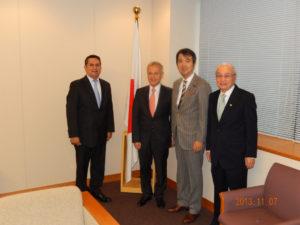 2013年11月7日 ヘルマン・ロハス パラグアイ財務大臣よりの表敬